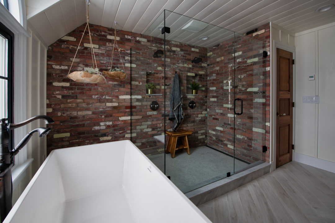 Reclaimed Thin Brick Bathroom